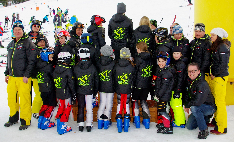 Das Team des WSV Spital mit neuen Vereinsjacken - Danke den Sponsoren!